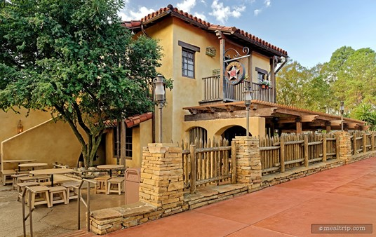 As you round the corner from Liberty Square into Frontierland, the Pecos Bill exterior picks up more of a Tex-Mex feel. This is somewhat reflected by the interior decor as well.
