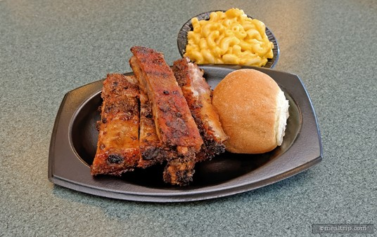 Large Spare Ribs Platter with Macaroni and Cheese and a Dinner Roll from Terrace BBQ.