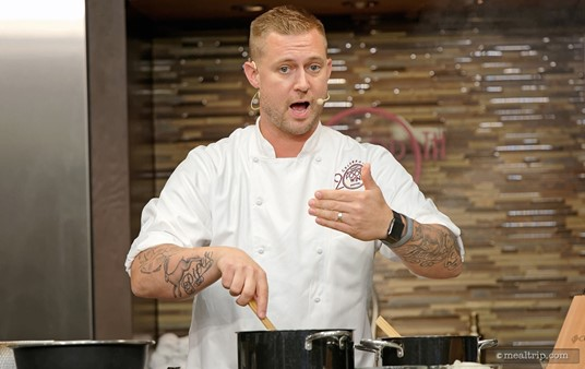 Chef Bryan Voltaggio is looking right at me!