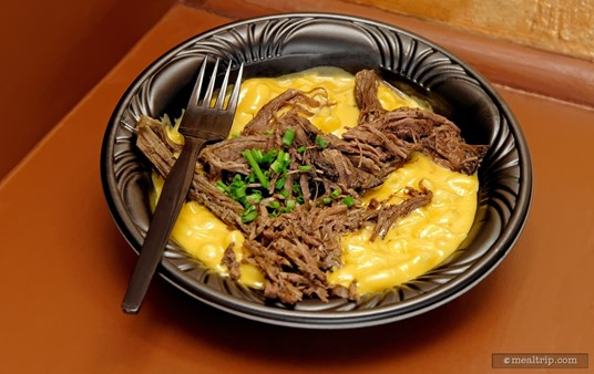 """The Pot Roast Macaroni & Cheese from The Friar's Nook in Fantasyland is a really great dish considering that Friar's is """"just"""" a quick service, walk-up counter location. In fact, we wish this entrée was available at a few of the actual quick-service restaurants. (July 2016)"""