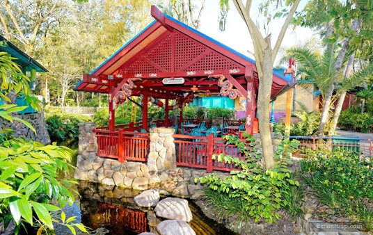 This is the red covered dining area at Flame Tree BBQ. There are several  such paddocks placed in the relaxed dining area behind Flame Tree.