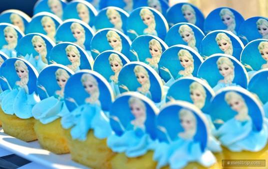 The Elsa mini cupcakes have a vanilla cake base.