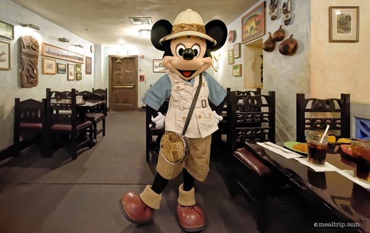 If you ask me, Mickey is always the snazziest dresser. The outfit Mickey has on here at Tusker House is very similar to what he wore in the original Jammin' Jungle Parade which had it's last run a few years ago.