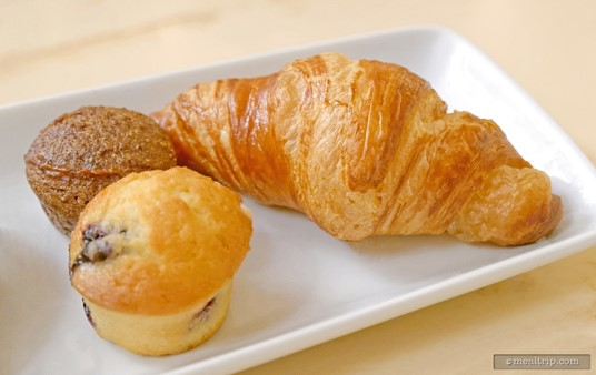 The other side of the pastries tray featured a croissant and two mini-muffins.
