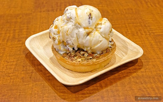 Mmmmmm... the Pecan Tart à la mode. At first, the pecan pastry doesn't look like much in the display case, but after you order, they'll heat the pecan tart up in a giant, open flame stone oven, top it with your choice of ice cream (butter pecan is shown here) and drizzled with caramel.