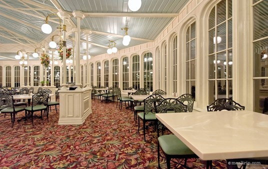 The dining area in the west side of the Crystal Palace is slightly larger than the dining area on the east side, mostly thanks to the tables pictured here on the right. On the east side, this area is actually an outdoor patio for guests waiting to get into the restaurant.