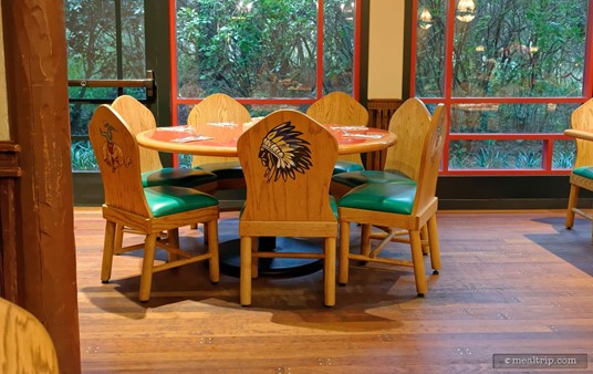 There are some larger tables at Whispering Canyon Cafe. This table is set for seven guests.