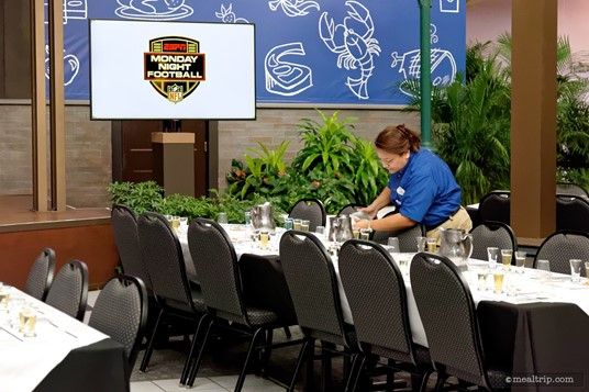 The beverage samples are pre-poured, which is a good idea. This would be hard to do once guests are in the event space.