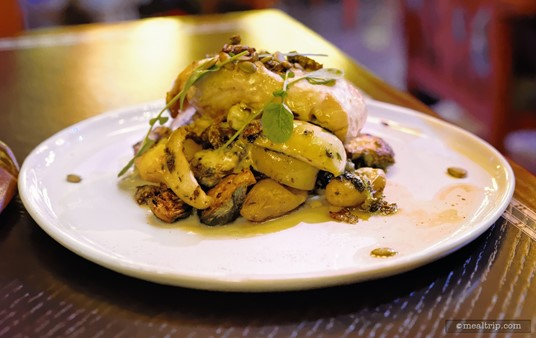 Mass protein piles are becoming more and more popular I guess... pictured here is a pile of bone-in chicken, potatoes, brussels sprouts, apples, and chestnut butter.