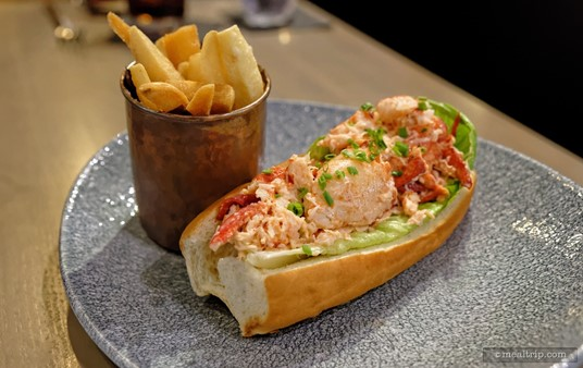 The Maine Lobster Roll is served with a metal cup of fries! While this all may look a little small on the giant plate, it's a bit of an unfortunate optical illusion, it's actually a pretty decent portion size for a lobster sandwich.